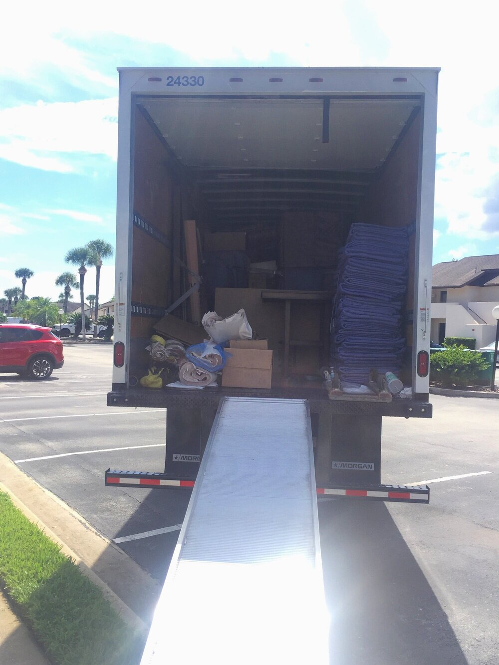 moving truck - move to seattle